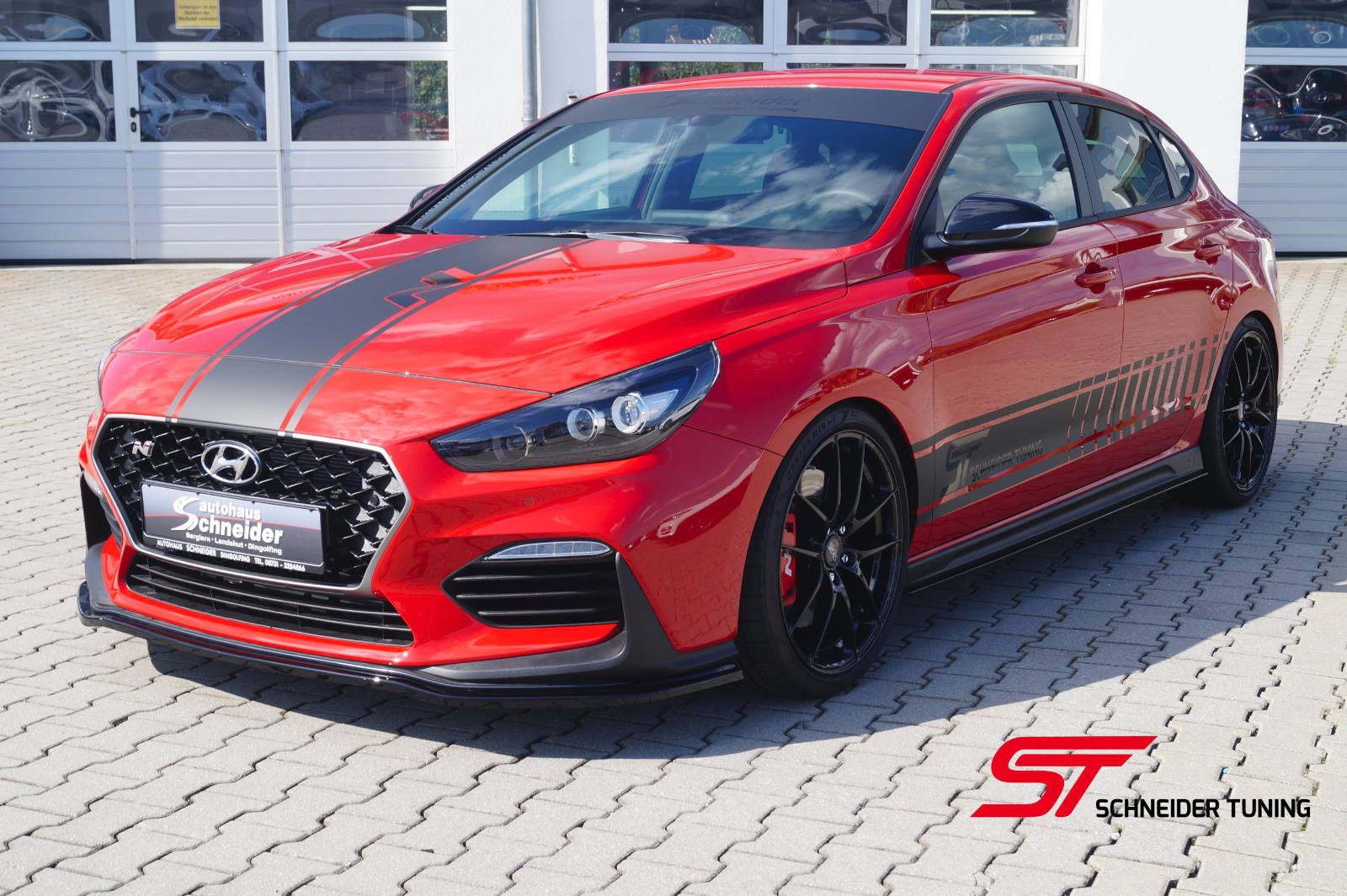 i30-fastback-rot-vorne-seite-2