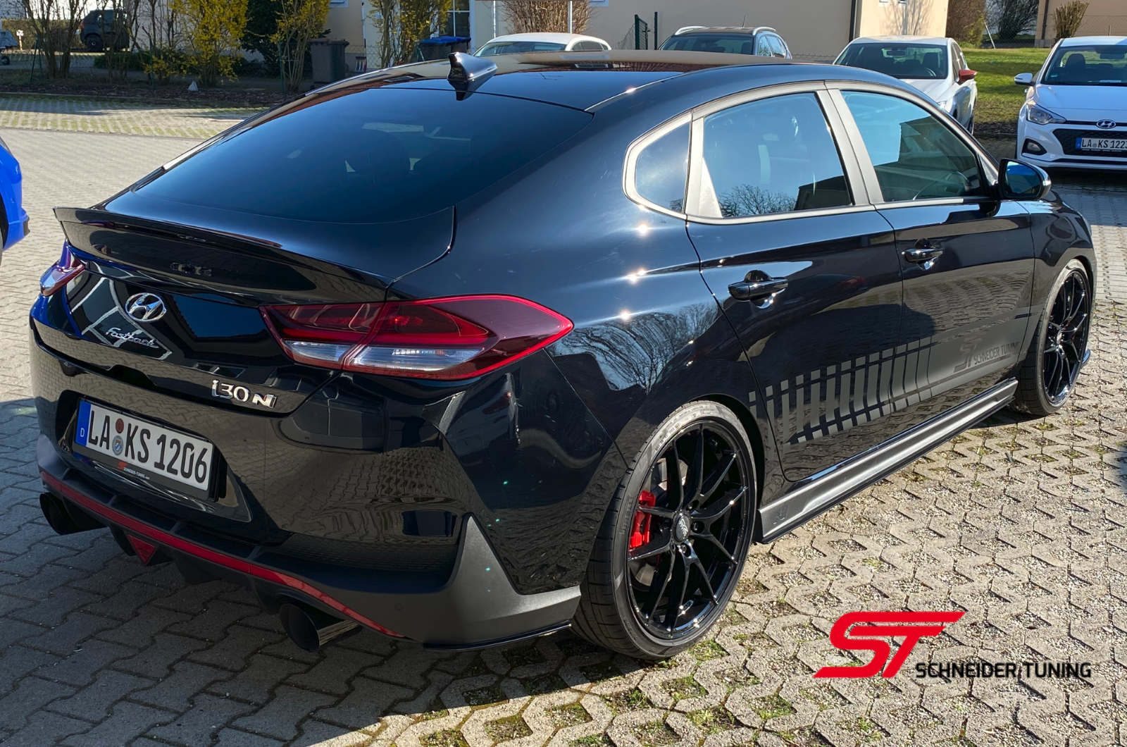 i30N-schwarz-hinten-seite-2